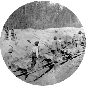 Chinese men helping to build Canada Pacific Railway